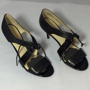 Nine West Strappy heels Black Size 8    3 1/2 heel